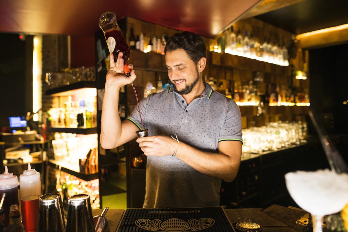 bartender joker mixologie bar