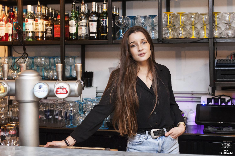 Aurélie, bartender au Club