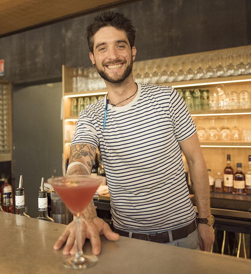 cafe bale strasbourg bartender