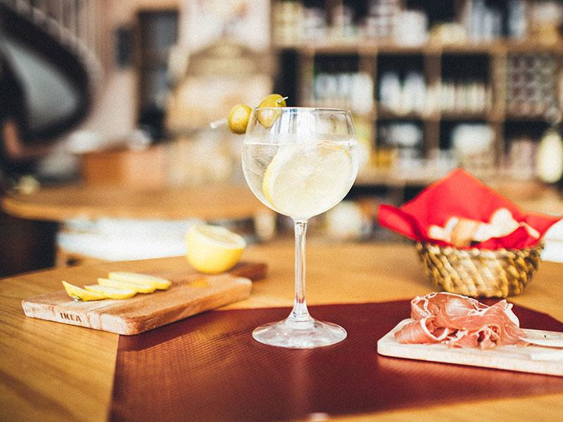Passione Italiana bordeaux cocktails