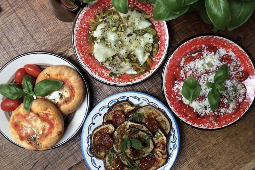 materrazza aperitivo little italy plats