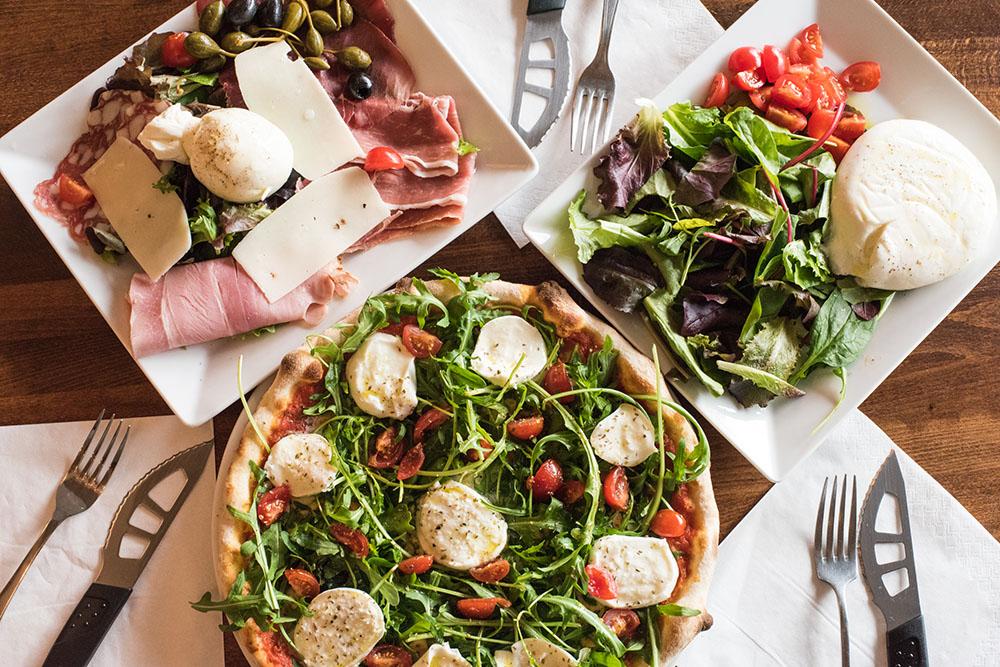 materrazza aperitivo lucky luciano pizza