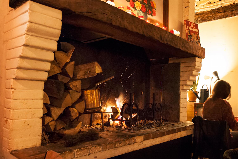 bar la maison toulouse cheminée