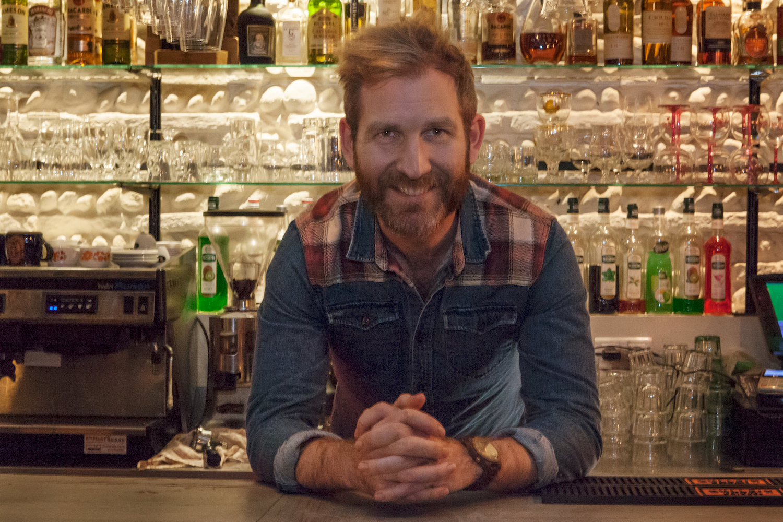 bar la maison toulouse bartender