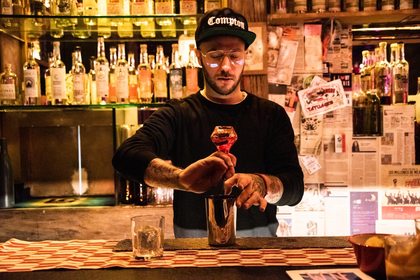 ben tyler bartender de la mezcaleria