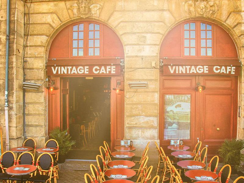 terrasse bordeaux aperitivo vintage cafe
