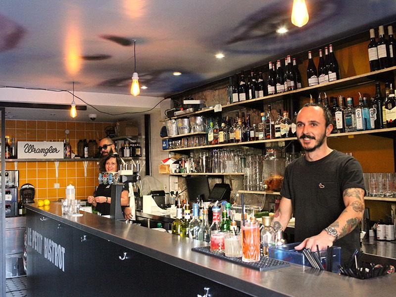 Le Petit Bistrot marseille bartender