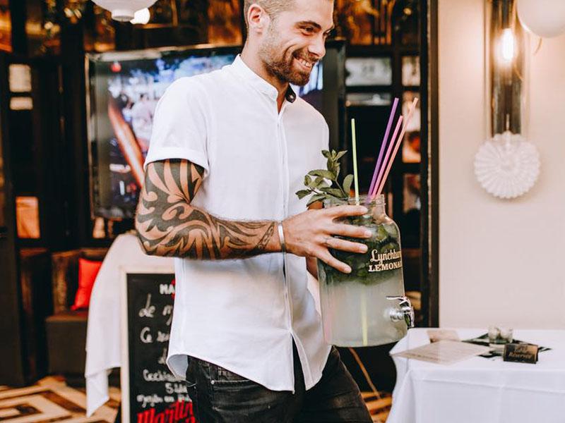 Le Métropolitan Nice bartender