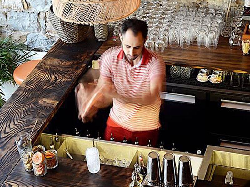 sauvage bar aperitivo lyon bartender