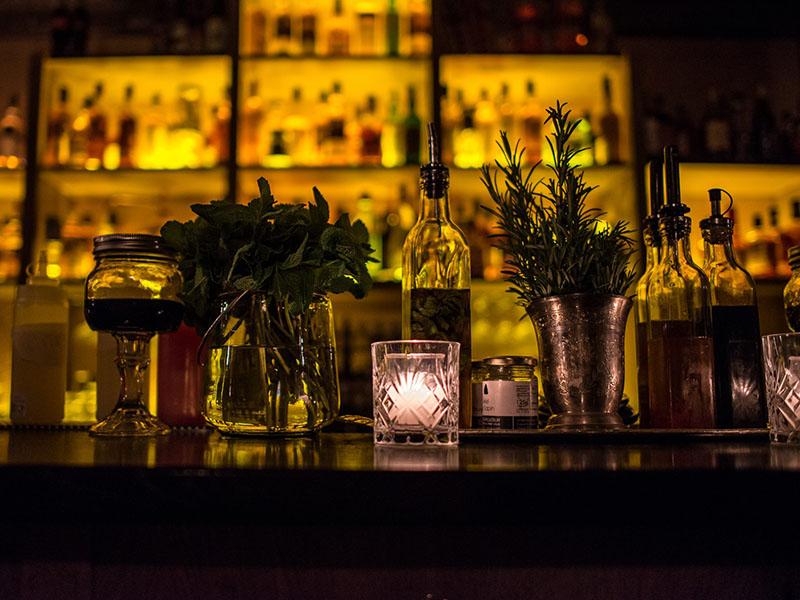 moonshiner bar insolite paris